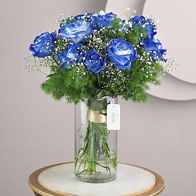 Blue Shade Roses In Glass Vase: Vase Arrangements