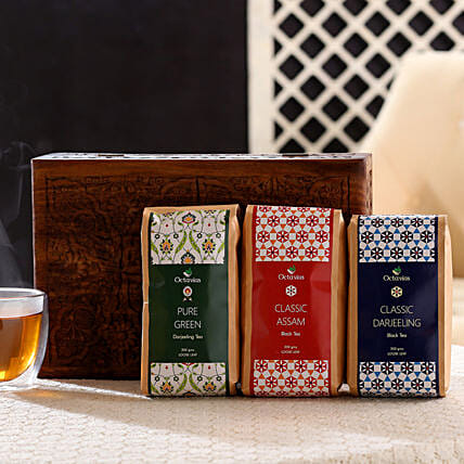 Black & Green Tea in Wooden Gift Box:
