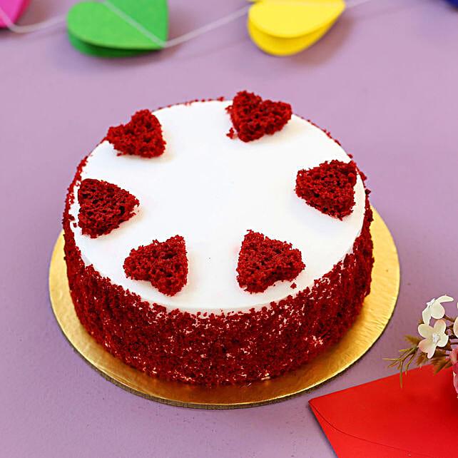 Red Hearts Velvet Cake: Red velvet cakes