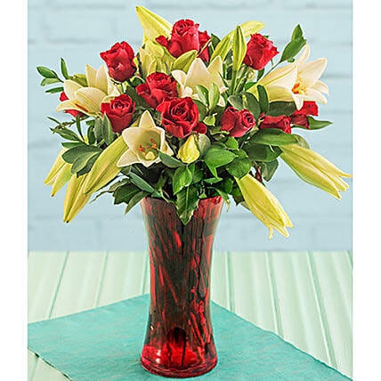 Red Rose Flair: Order Lilies in South Africa