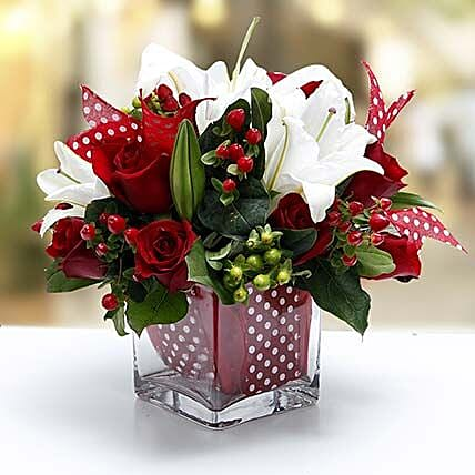 Night Before Christmas Bouquet: Mixed Flowers to UAE