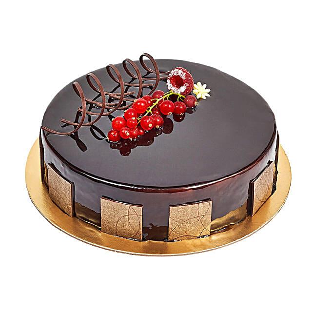 500gm Eggless Chocolate Truffle Cake: Eggless Cake Delivery in UAE