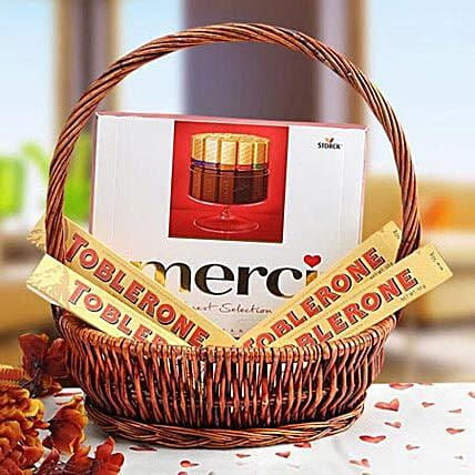 A Gift of Perfection: Gift Baskets to UAE