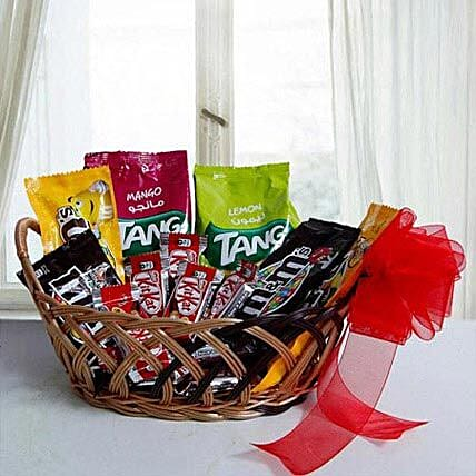 Color Ur Day With Her: Dubai Gift Basket Delivery