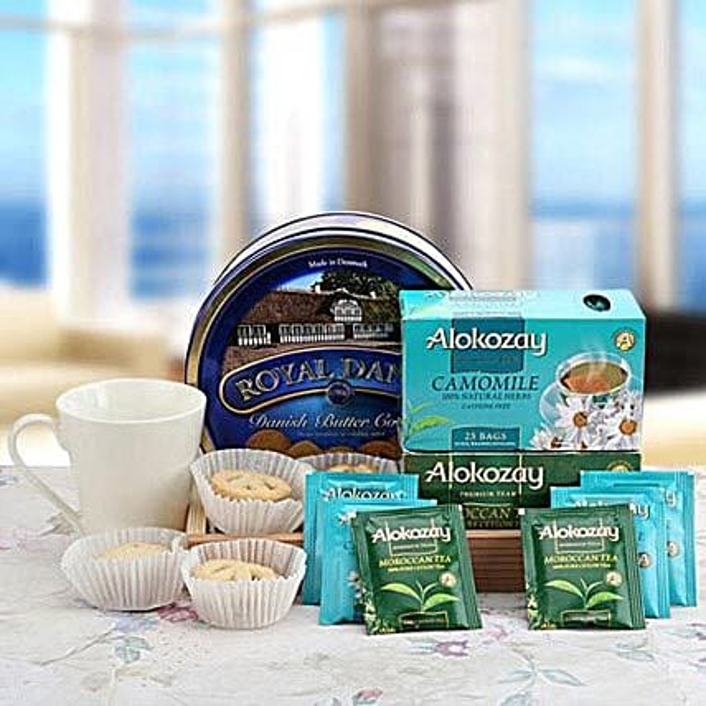 Eternal Blue Allure: Gift Baskets to UAE