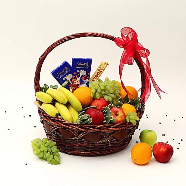 Fruitful Hamper: Gift Baskets to UAE