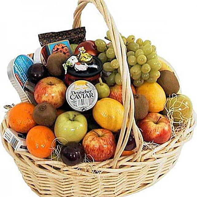 Full of Fruits: Dubai Gift Basket Delivery
