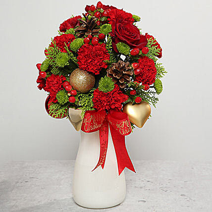 Red Carnations and Roses Arrangement: Send Christmas Gifts to UAE