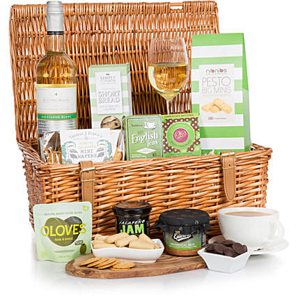Valentine S Day Gift Hampers To Uk Valentine Basket Delivery Uk