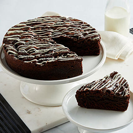 Cookies and Cream Brownie Cake: Cakes for Birthday