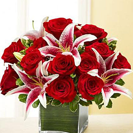 Red Rose and Lily Cube: Send Roses to USA