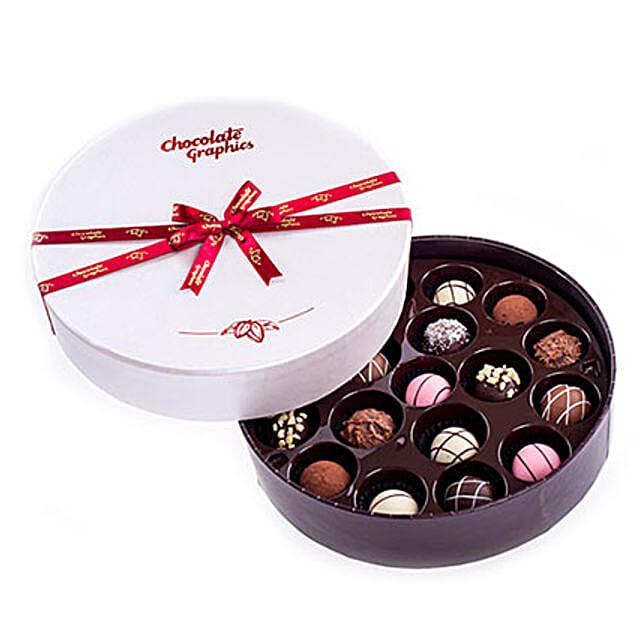 Round Box Of Yummy Chocolates: Send Gifts to Vietnam