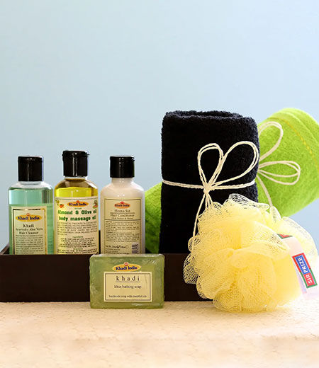 cosmetics and spa hampers