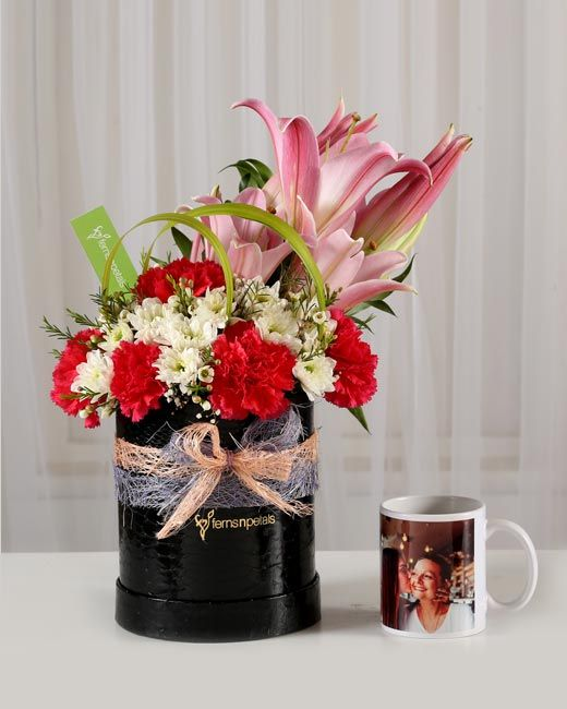 Flowers With Personalised Gifts