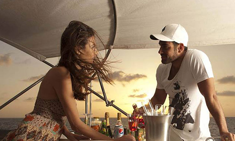 Romantic Meal on Yacht