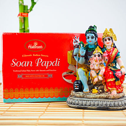 Beautiful Shiv Parvati Statue With Soan Papdi