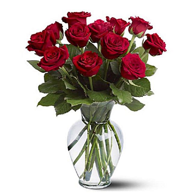 Dozen Red Roses:Send Housewarming Flowers to Australia