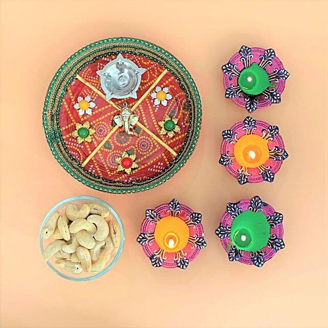 Set Of 4 Diyas With Cashews And Bandhani Thali