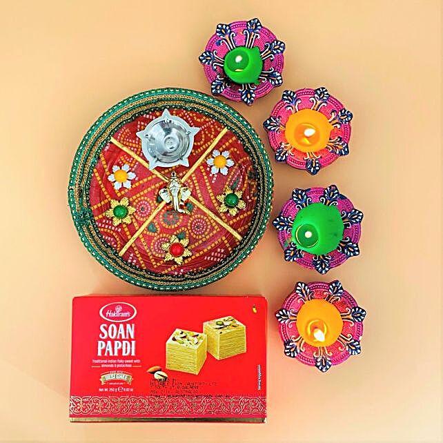 Set Of 4 Diyas With Soan Papdi And Bandhani Thali