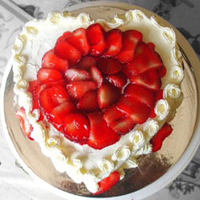 Eggless Heartshaped Strawberry Cake