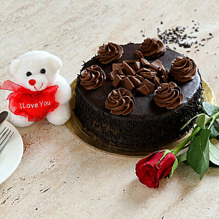 Chocolate Cake Combo:Send Roses to Canada