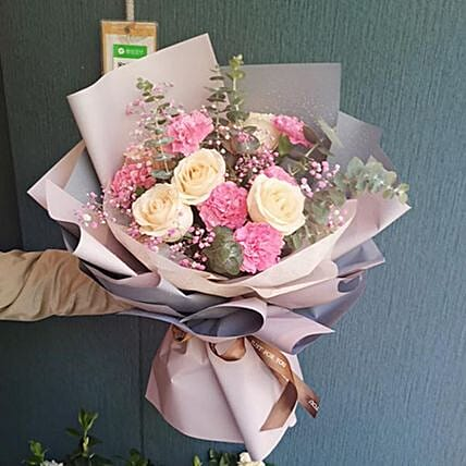 Truly Sincere Carnations And Rose Bouquet