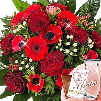 Flower Bouquet Grobe Liebe With Vase and Merci