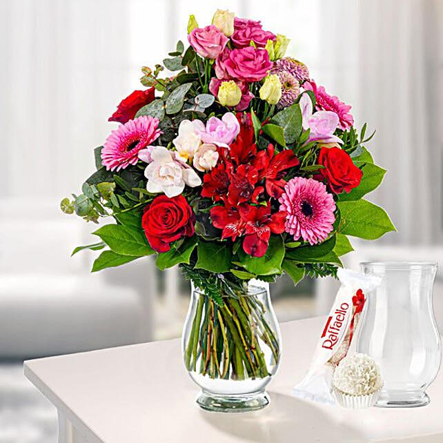 Flower Bouquet Liebestraum With Vase And Ferrero Raffaello