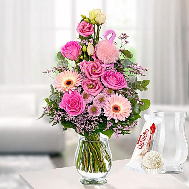 Flower Bouquet Rosa Himmel With Vase And Ferrero Raffaello
