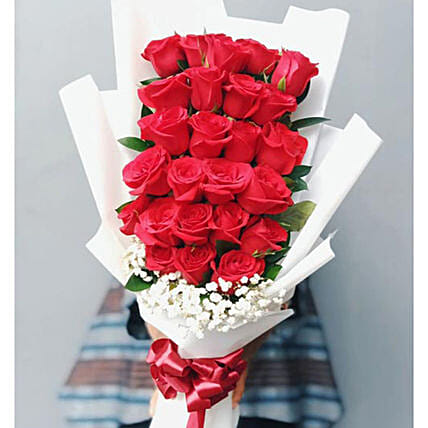 Luxurious Roses Bouquet:Valentine's Day Flowers to Indonesia
