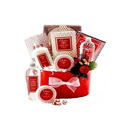 Strawberry Surprise:Gift Baskets in Indonesia