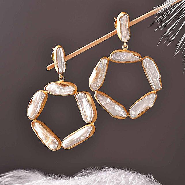 Viva Baroque Pearl Oval Shaped Earrings