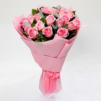 Light Pink Roses Bunch:Anniversary Flower Delivery in Kuwait