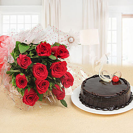 Red Rose Bunch And Cake