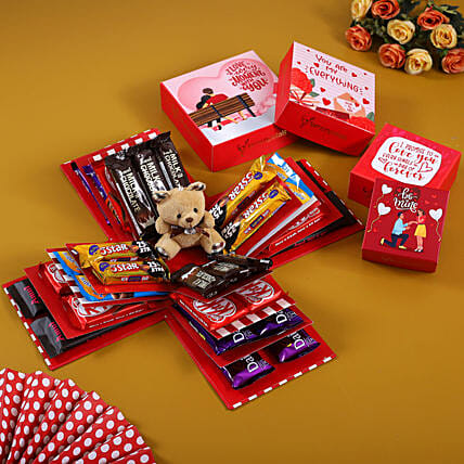 4 Layer Red And White Choco Delight Explosion Box:Explosion Gift Box