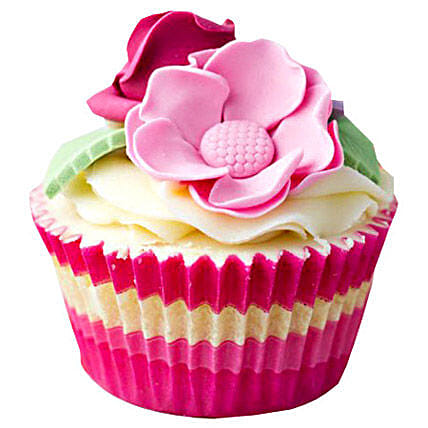 6 Pink Flower Cupcakes by FNP