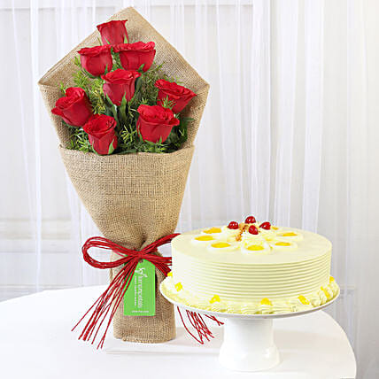 Butterscotch Cake with Rose Bouquet Online
