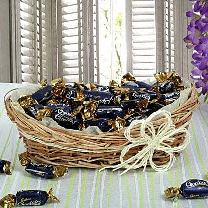 Cadbury Chocolate Candy Basket:Send Valentines Day Gift Baskets