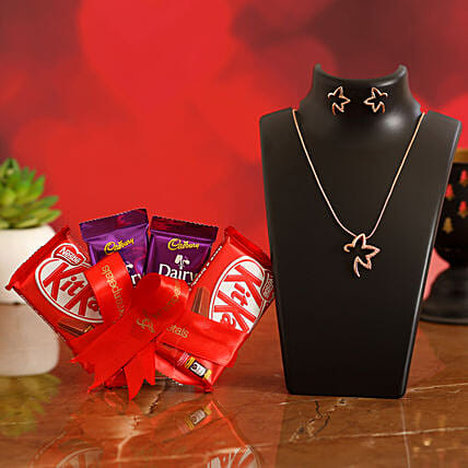 Valentines Special Chocolates & TableTop for Girlfriend:Send Valentines Day Jewellery