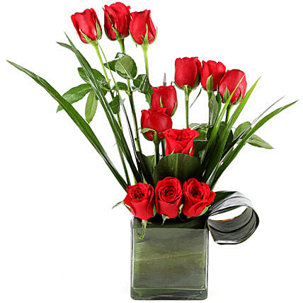 Red Romance gifts:Send Flowers to Bharuch