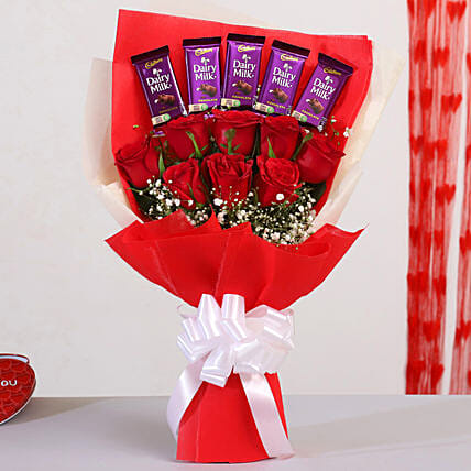 Beautiful Roses Bouquet With Dairy Milk Chocolates