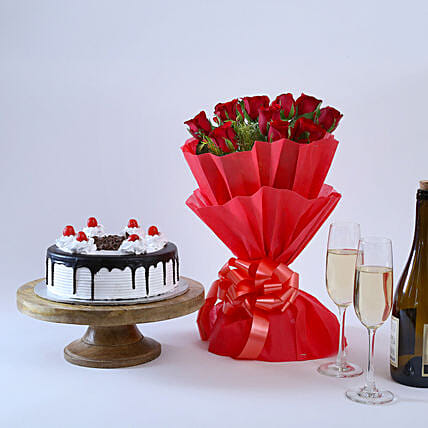 Black Forest & Flowers - Bouquet of 10 beautiful and 500 grams of black forest gifts:Cakes Combo
