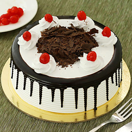 Black Forest Cakes Half kg Eggless:Gifts Delivery In Chandmari