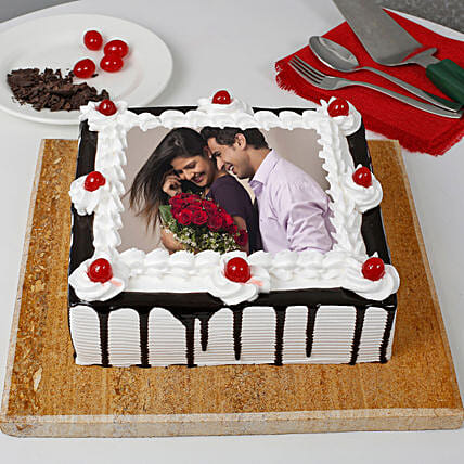 Black forest Cake with Picture On It:Photo Cakes to Jaipur
