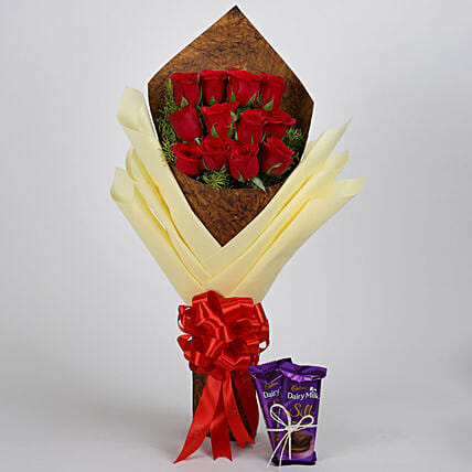 Red Roses with chocolate:Send Valentine's Day Flowers And Chocolates