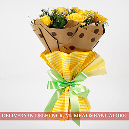 exclusive yellow roses in attractive bouquet