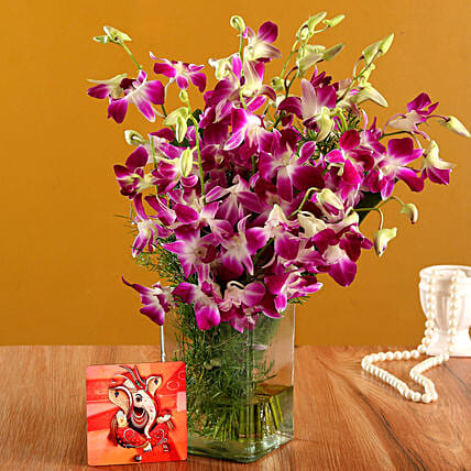 Online Ganesha Table Top And Vase:Flower Arrangement In Vase