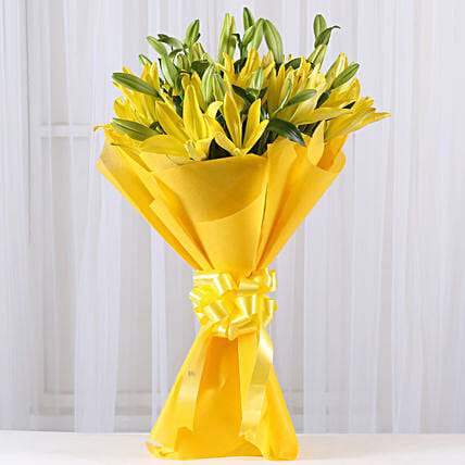 Bunch of 8 yellow asiatic lilies flowers gifts:Flowers to Gandhidham