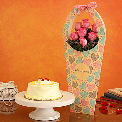 Butterscotch Cake & Pink Roses in FNP Heart Sleeve