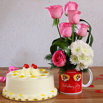 Butterscotch Cake & Pink Roses in Personalised Mug